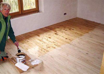 Olejování dřevěných podlah 001