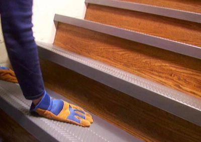 Renovace dřevěných schodů 008